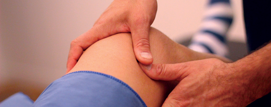 treating knee pain with physical therapy and active release technique